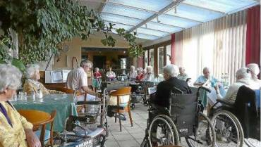 Johanneshaus als singendes Altenheim